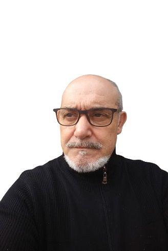4. Javier Martínez Noriega. Etapa 1994 - 2000 Radio Guardo. Presentador programa El Desván