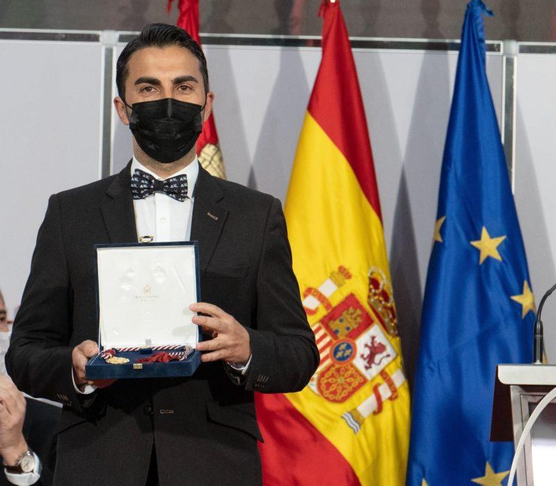 Manuel y premio